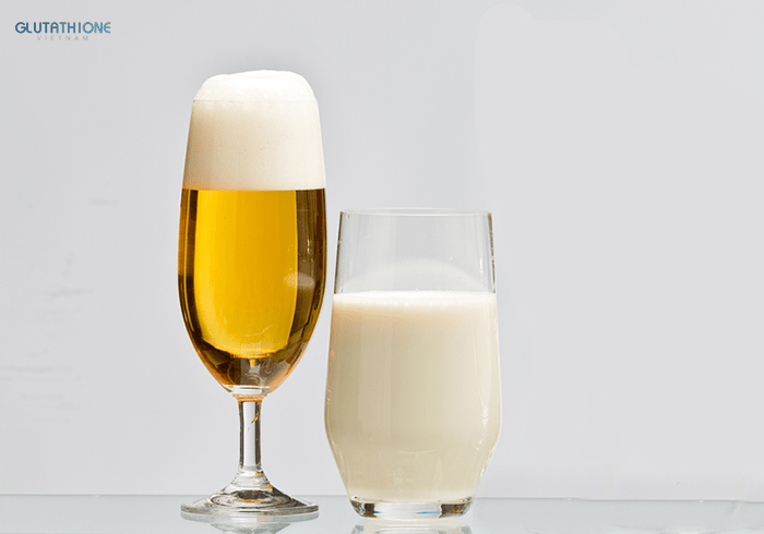 Dùng bia và sữa tươi để làm trắng da