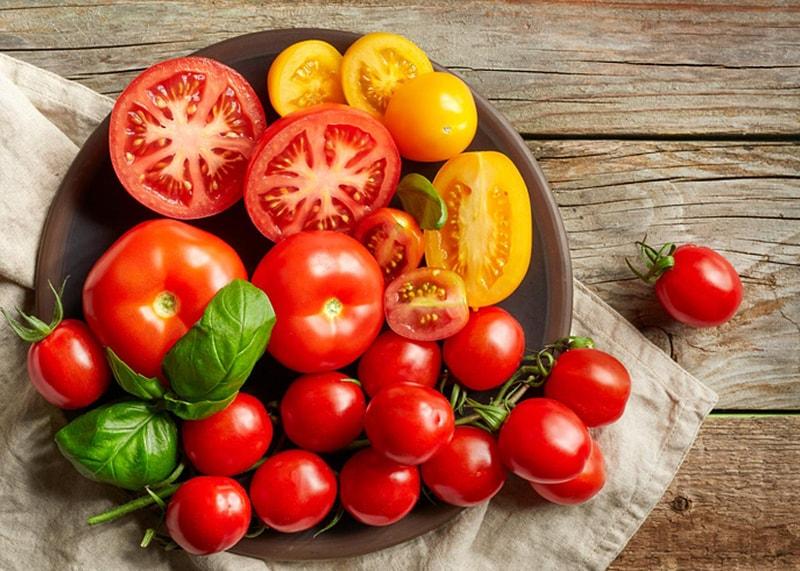 Vì cà chua rất giàu carotenoid nên chúng là một thực phẩm tuyệt vời để duy trì làn da khỏe mạnh.