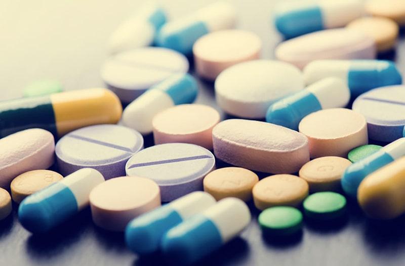Lạm dụng thuốc là nguyên nhân hình thành nên da dầu