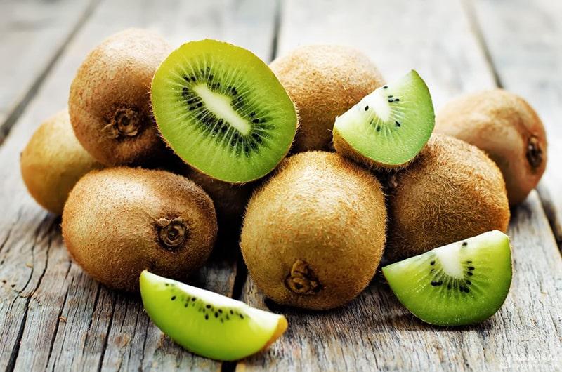 Quả kiwi là 1 trong những loại trái cây chống lão hóa da hiệu quả