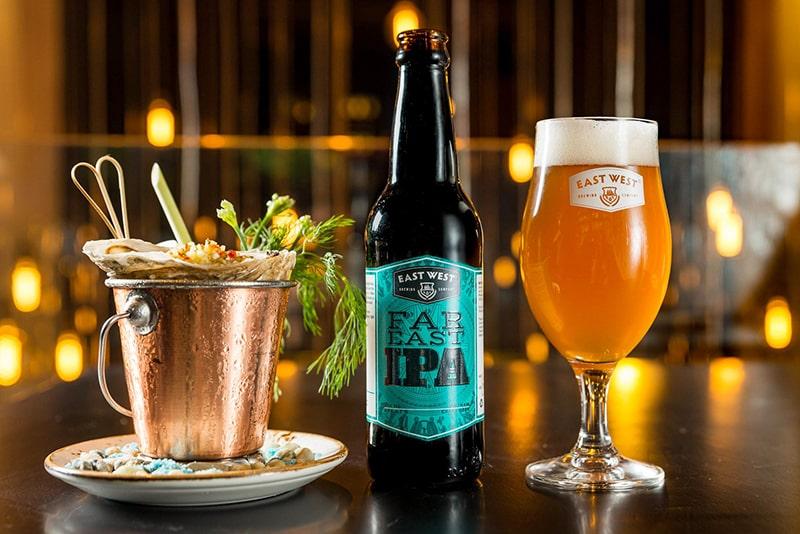 Bia rượu, đồ uống có ga là những thực phẩm gây độc cho gan, khiến da bạn nổi mụn