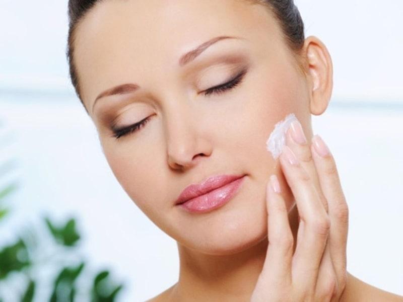 Làm gì giúp da không bị khô vào mùa đông?