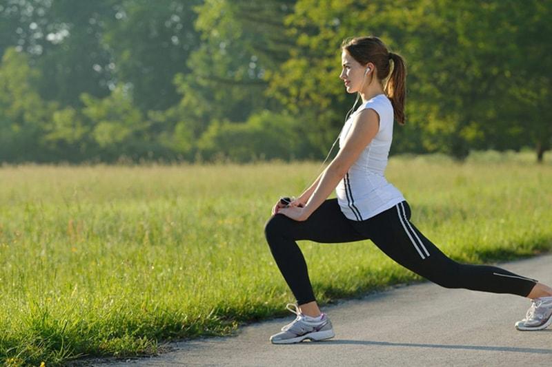 Tập thể dục thường xuyên cũng là 1 cách chăm sóc da nhờn hiệu quả