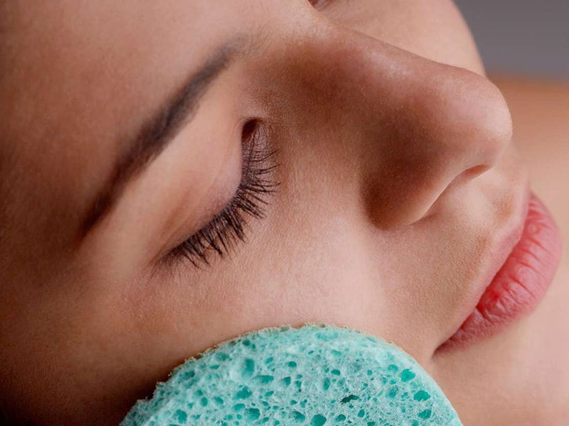 Da khô có nên tẩy tế bào chết không?