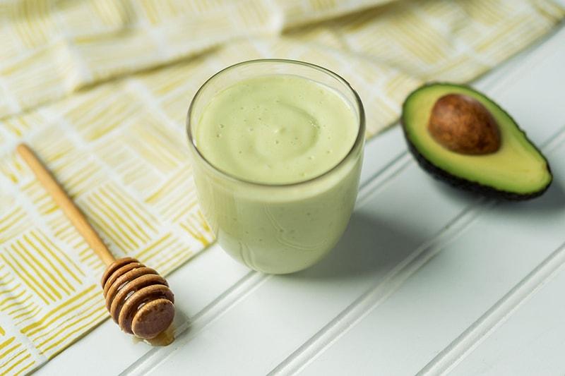 Mặt nạ bơ + sữa tươi + mật ong rất tốt cho da khô