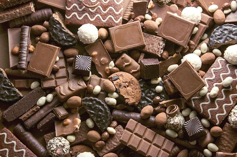 Hạn chế ăn socola giúp giảm thiểu tình trạng da mụn
