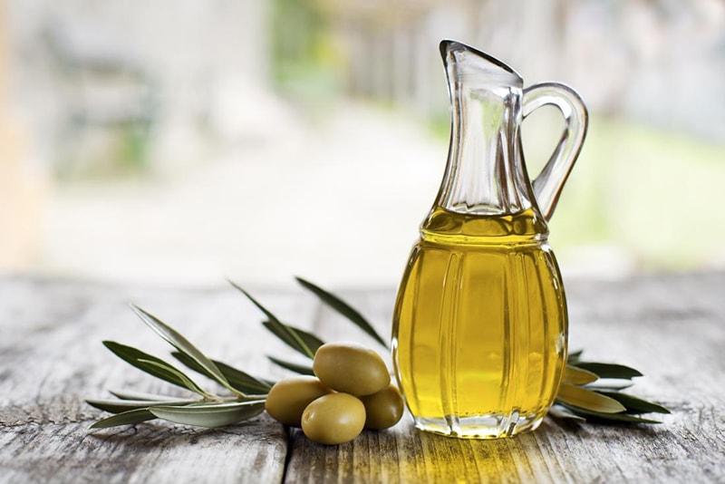 Ô liu chứa vitamin E, chất béo không bão hòa đơn và axit béo omega-3 rất tốt cho da khô