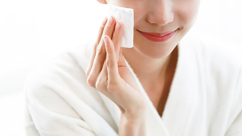 Làm sạch da là bước đầu tiên khi chăm sóc da vào mùa đông