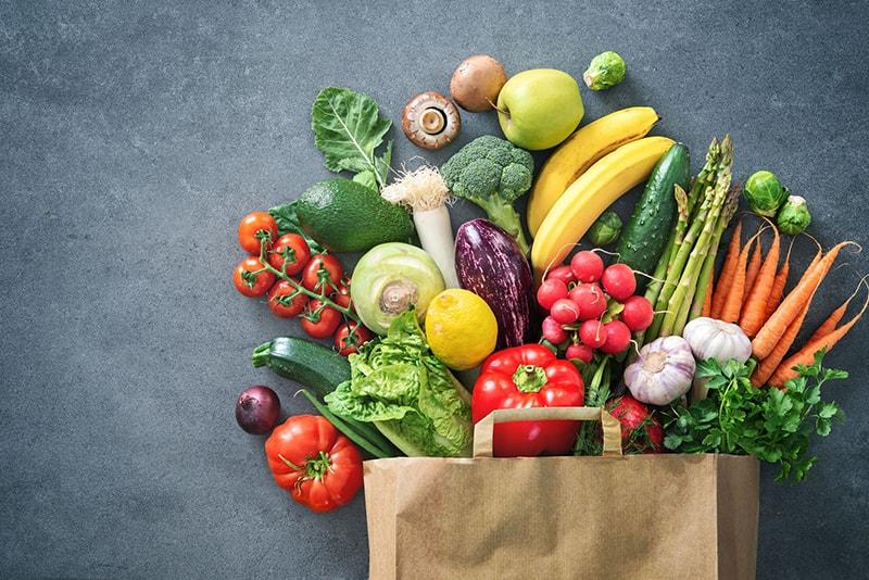 Bổ sung nhiều rau vào trái cây khi bước vào tuổi dậy thì để chăm sóc da