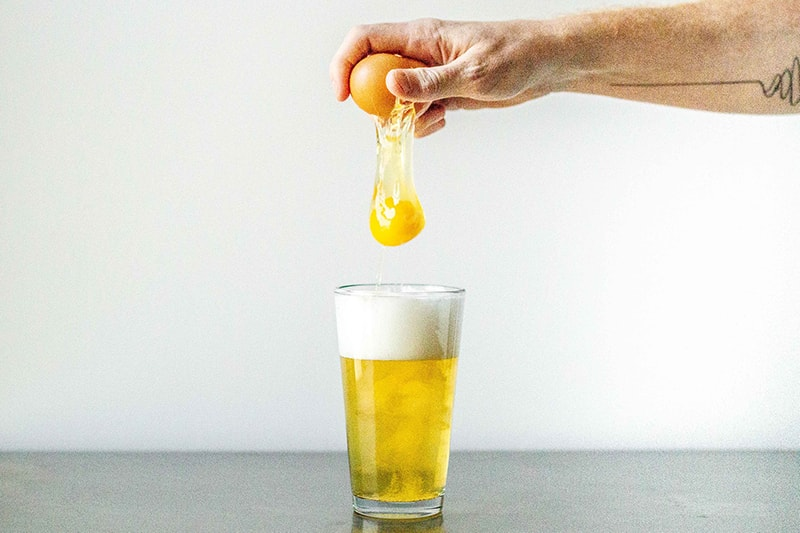 Công thức trắng da từ bia và trứng gà