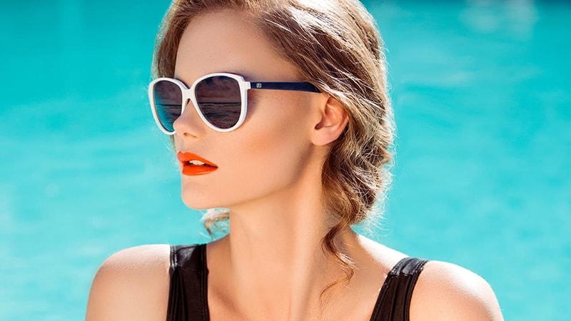 Sử dụng kem chống nắng hàng ngày để bảo vệ da