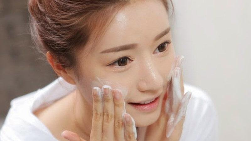 Làm sạch sâu và tẩy tế bào chết cho làn da