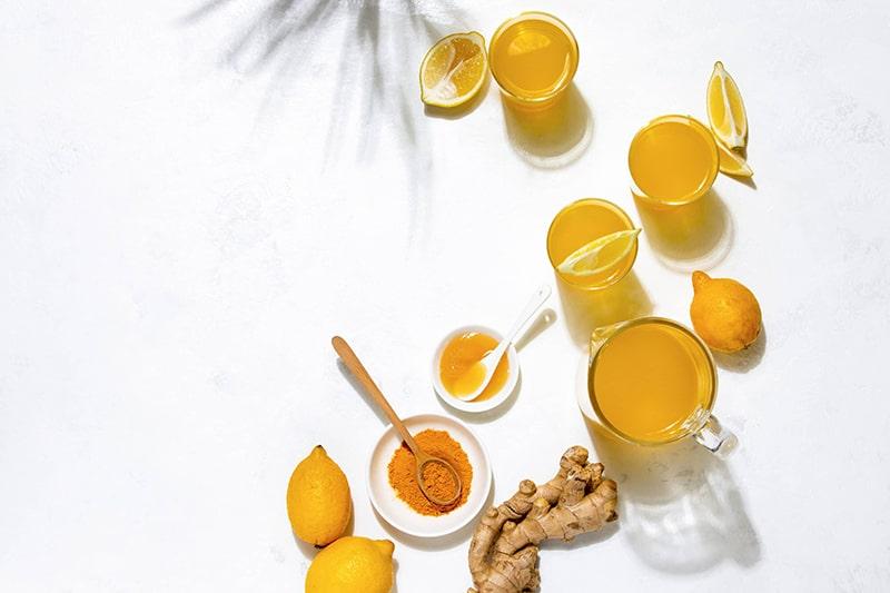 Dưỡng ẩm và tăng tái tạo da với hỗn hợp sữa tươi, chanh và bột nghệ