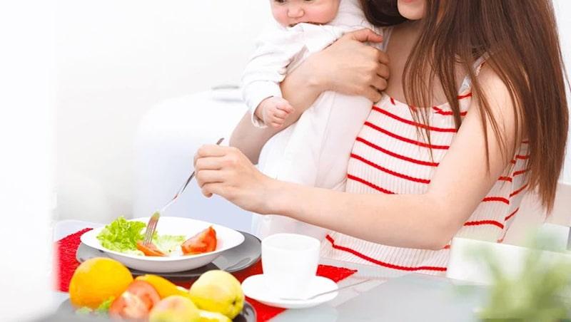Bổ sung dinh dưỡng đầy đủ, đặc biệt với mẹ sinh mổ
