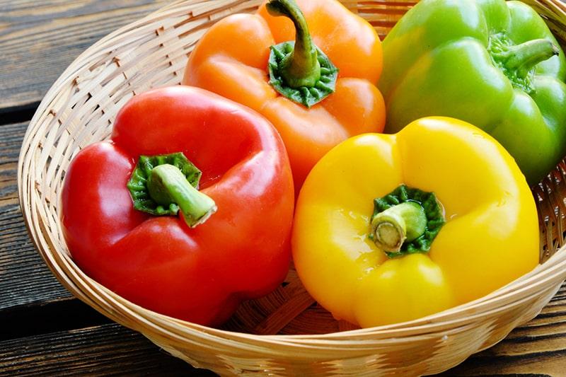 Ớt chuông chứa nhiều beta carotene và vitamin C - cả hai đều là chất chống oxy hóa quan trọng cho làn da của bạn
