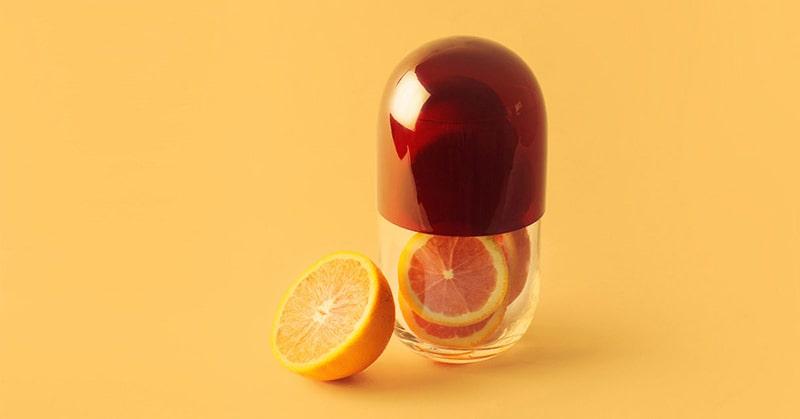 Vitamin C là một chất chống oxy hóa và có thể bảo vệ chống lại tác hại của các gốc tự do