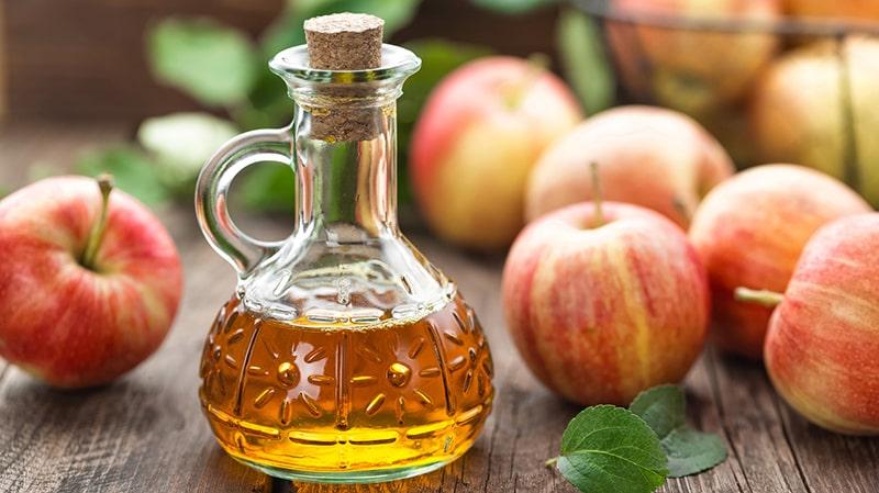 Tẩy trắng răng bằng giấm táo