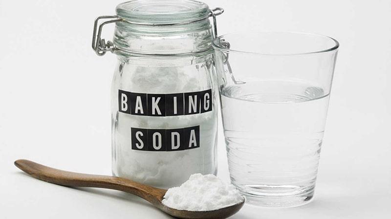 Tẩy trắng răng bằng baking soda với muối